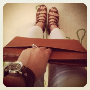 LV-HOME-BR-CLUTCH